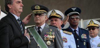 """Altamiro Borges: Petardos: Os generais servis e o """"capetão"""""""