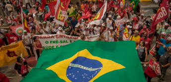 """""""Unir amplas forças para salvar o Brasil"""", propõem dirigentes do PCdoB"""
